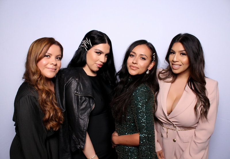 Hollywood GLAM Filter photo booth rentals